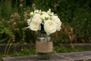 Garden roses, freesias, agapanthus and peonies.